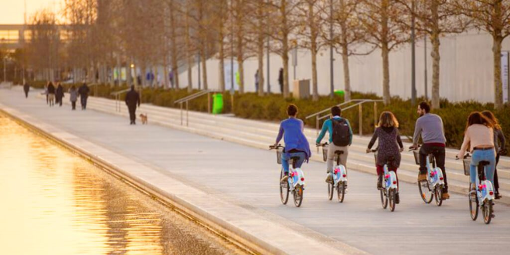 Stavros Niarchos Center Bicycles